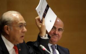 El secretario general de la OCDE, Ángel Gurría, y el ministro de Economía, Luis de Guindos, en una imagen de archivo deseptiembre del 2014.