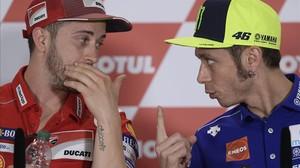 Andrea Dovizioso y Valentino Rossi reconocen que Marc Márquez jugó con ellos en Assen (Holanda).