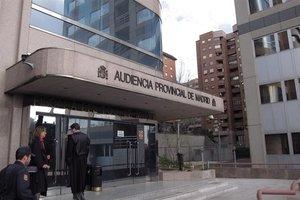 L'auxiliar acusada d'assassinar dues àvies a l'Hospital d'Alcalá: «Mai seria capaç»