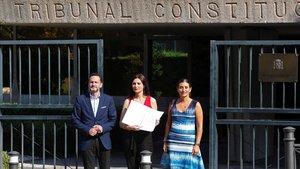 La portavoz nacional de Ciudadanos, Lorena Roldan, ylos diputados Edmundo Bal y Sara Giménez, este miércoles en el Constitucional