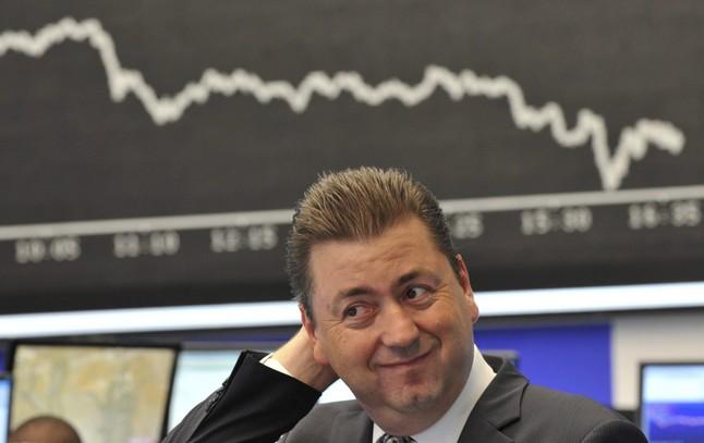Un experto en finanzas en la bolsa de Fráncfort