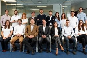 El equipo de MedLumics, la compañía de dispositivos cardíacos guiados de forma óptica.