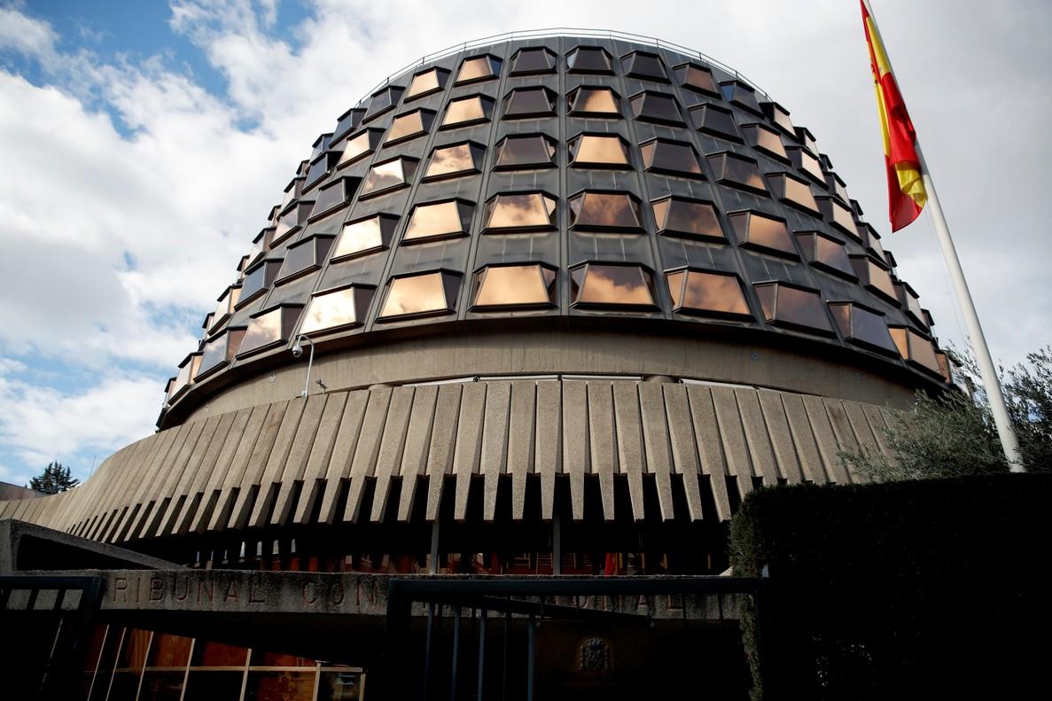 GRAF8606. MADRID (ESPAÑA), 27/01/2018.- Imagen de la sede del Tribunal Constitucional (TC), que se encuentra reunido para tratar si este admite a trámite el recurso del Gobierno contra la investidura de Carles Puigdemont, esta tarde en Madrid.EFE/Juanjo Martín