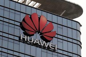 Fachada del edificio de la empresa china de telecomunicaciones Huawei.