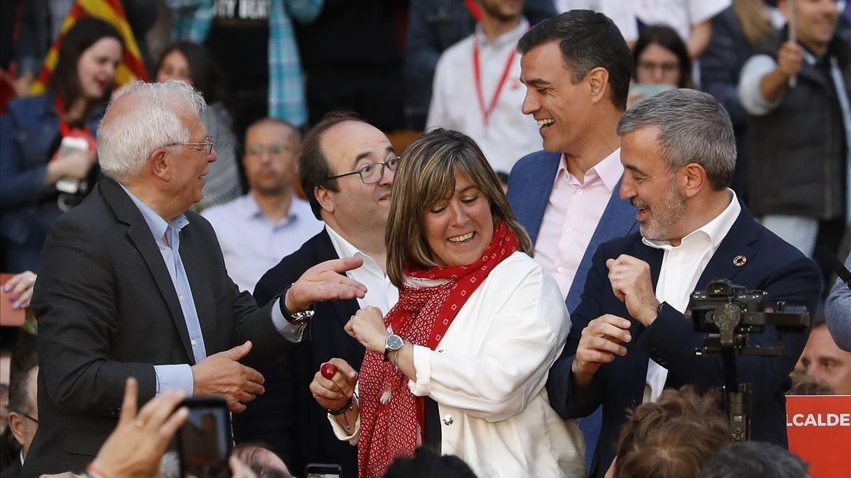 Jaume Collboni y Pedro Sánchez, con los también dirigentes socialistasNúria Marín, Miquel Iceta y Josep Borrell, este jueves, en Barcelona.