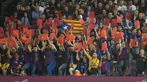 """El Camp Nou clama """"Tebas, vés-te'n ja"""""""