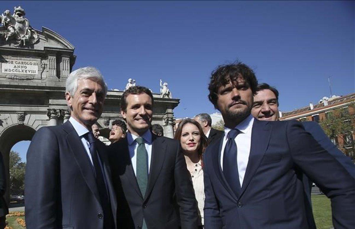 El número dos del PP, Adolfo Suárez Illana, junto a Pablo Casado y otros candidatos al 28-A.