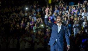 Juan Carlos Navarro se despide de un Palau puesto en pie tras la retirada de su camiseta como último homenaje a su capitánmas laureado.