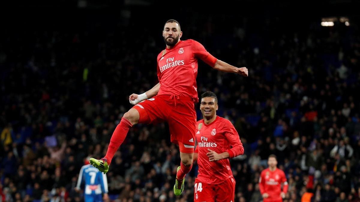 Karim Bezema festeja su gol en la victoria del Madrid sobre el Espanyol.
