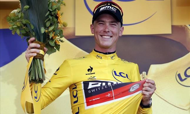 Laustralià del BMC Rohan Dennis, amb el mallot groc de líder del Tour de França conquistat amb la seva victòria en la contrarellotge dUtrecht.