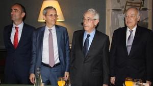 Desde la izquierda,Ignasi Nieto, director general adjunto; Jordi Mercader, hijo; Jordi Mercader, padre; yel secretario general de la empresa, Javier Basáñez.
