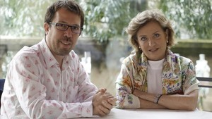 Marcelo Martinessi y la actriz Ana Brun, en la presentación de Las herederas en San Sebastián