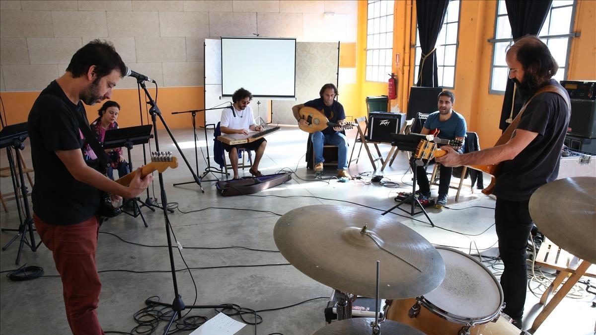 Mazoni con el Istambul Street Ensemble.