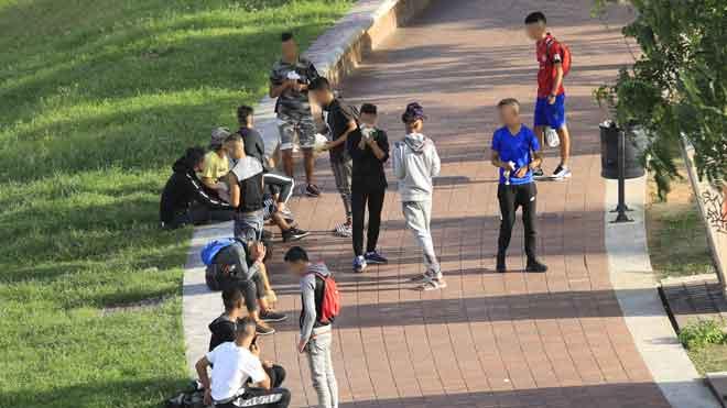 300 nens del carrer flirtegen amb les drogues i la delinqüència a Catalunya