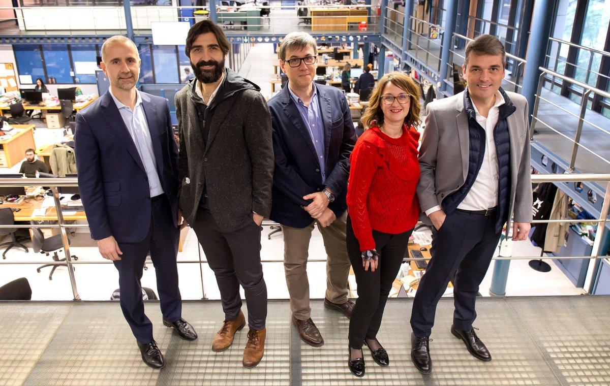 Los participantes en la mesa redonda (de izquierda a derecha):José Marcilla,Antonio Pérez-Martínez,Jordi Martínez, Àngela Sánchez yJosé Ángel García Sáenz.