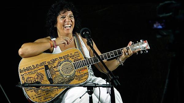La cantante canta ¡Buenos días, mundo! en EL PERIÓDICO.