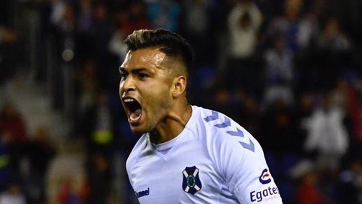 Nahuel Leiva celebra el gol al Girona.
