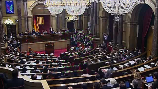 El Parlament aprova amb 72 vots a favor i 63 en contra la proposta independentista.