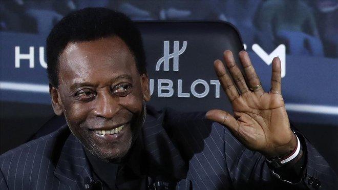 Pelé durante un acto en París en 2019