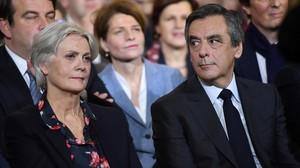 Penelope y François Fillon, el pasado 29 de enero, en un mitin en París.