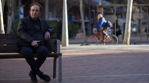 El presidente de la Associació de Veïns de Sant Antoni, Pep Sala, en la avenida de Mistral, uno de los espacios verdes de su barrio