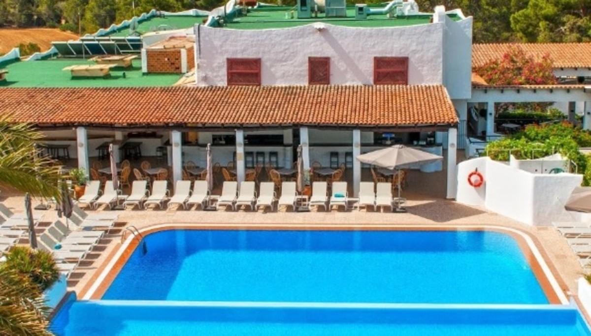 La piscina del hotel donde ha muerto el niño de 4años.
