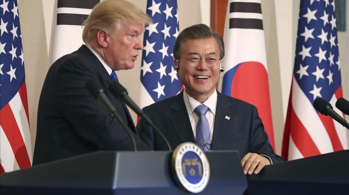 El presidente de EEUU, Donald Trumo, con su homólogo surcoreano Moon Jae-in.