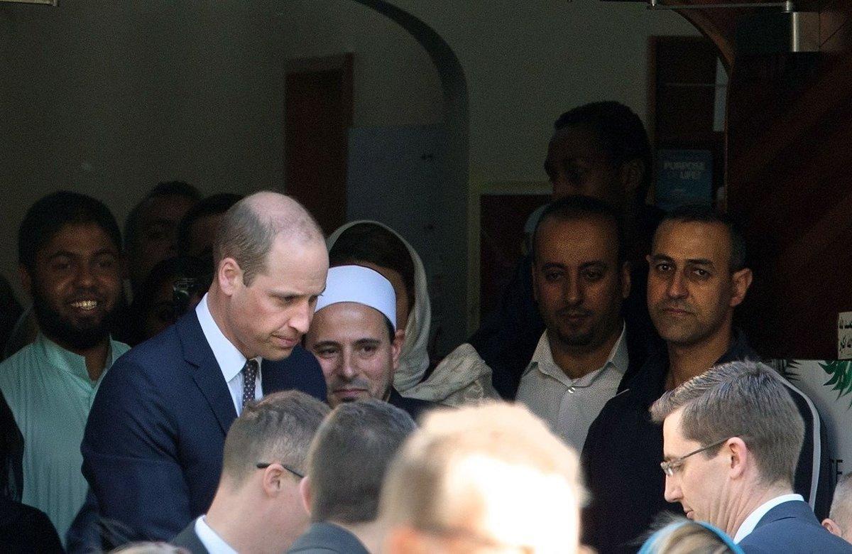 El principe Guillermodel Reino Unido en la mezquita Masjid Al Noor en Christchurch,Nueva Zelanda. EFE