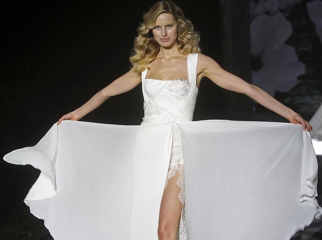 Una imagen de archivo de la supermodelo Karolina Kurkova durante undesfile de la firma Pronovias.