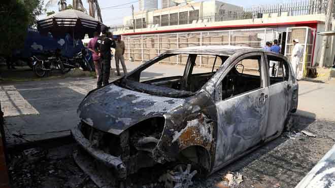 Siete muertos en ataque al consulado chino en la ciudad paquistaní de Karachi.