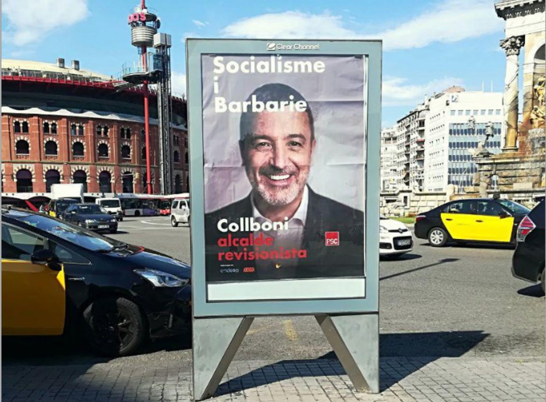 Collboni, alcalde de 'Carcelona', en la plaza de Espanya.
