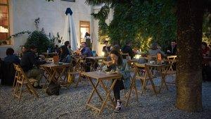 La terraza del BarCentral, de La Central del Raval, ofrece un espacio lleno de calma.