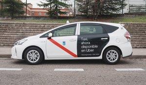 Uno de los taxis que este jueves empieza a operar también a través de Uber.