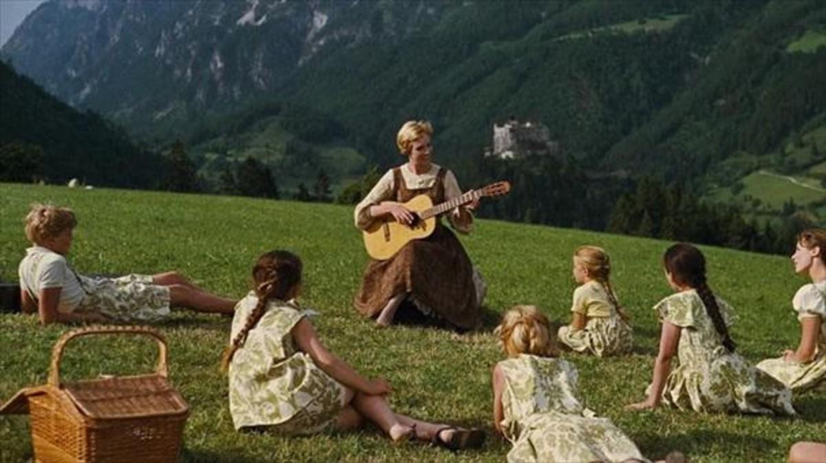 Una imagen de Sonrisas y lágrimas, con la actriz Julie Andrews en el centro.