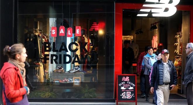 Black Friday masivo: los consumidores se lanzan a la calle en busca de chollos