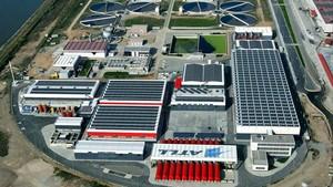 Vista aérea de la desalinizadora de ATLL en El Prat de Llobregat.