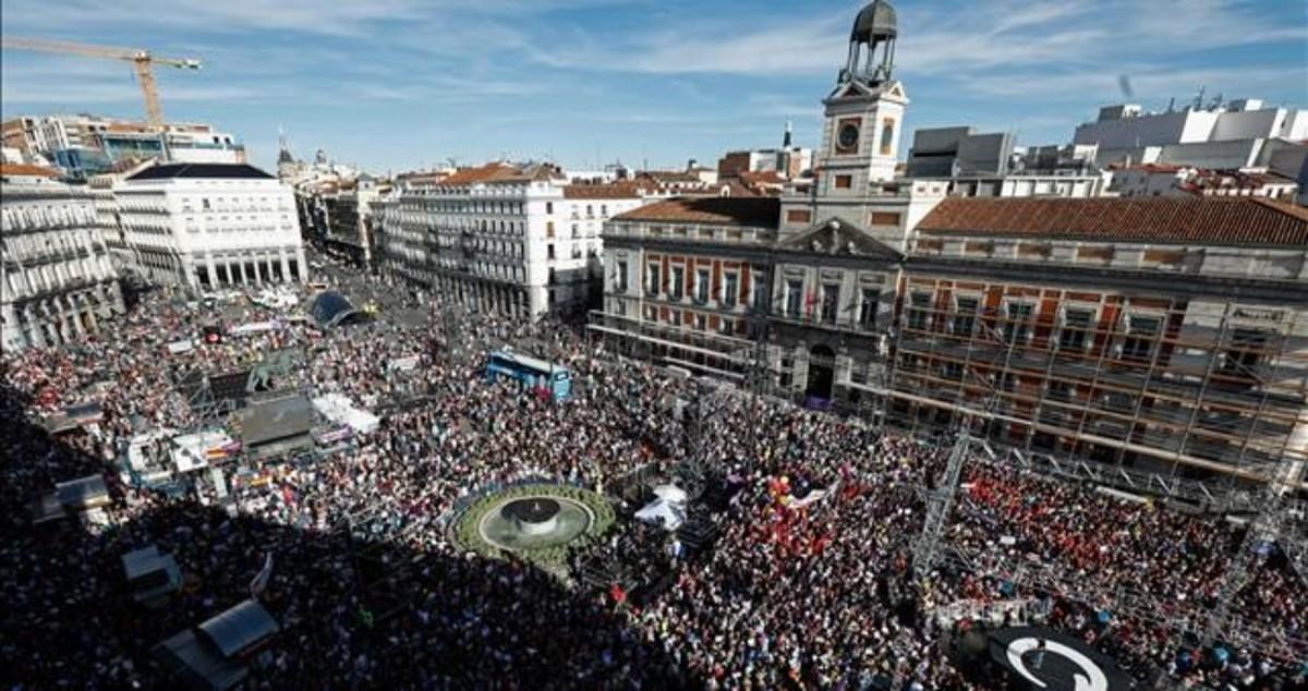 Una imagen de la manifestación en Madrid a favor de la moción de censura contra Rajoy.