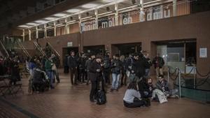 Imagen general del campus de la Ciutadella, desde donde siguieron el escrutinio los militantes de los comuns.