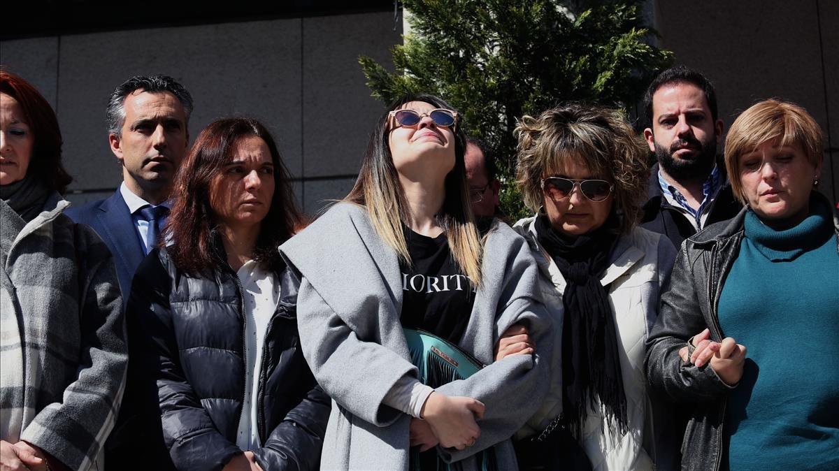 Concentración en Getafe en contra del asesinato de los dosniños a manos supuestamente de su padre.