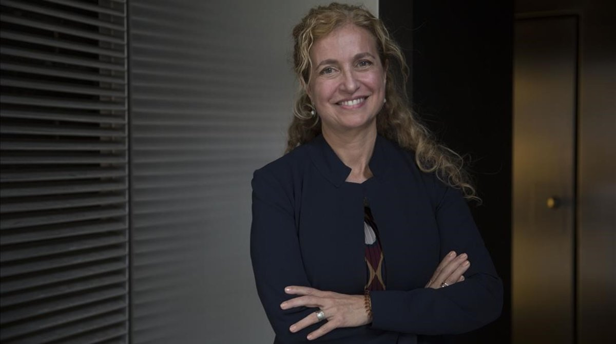 """Estrella Montolío: """"Los equipos directivos mixtos funcionan mejor"""""""