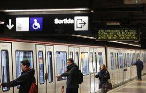 Els treballadors del Metro de Barcelona mantenen la vaga