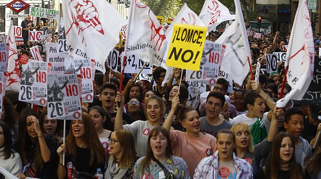 Protestes multitudinàries a tot Espanya contra la LOMCE i el seu sistema de revàlides