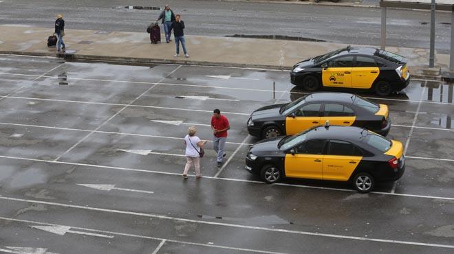 El sector del taxi une fuerzas en la mayor huelga de su historia