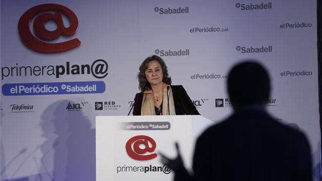 """Adela Muñoz: """"La premsa pot ajudar molt les dones científiques"""""""