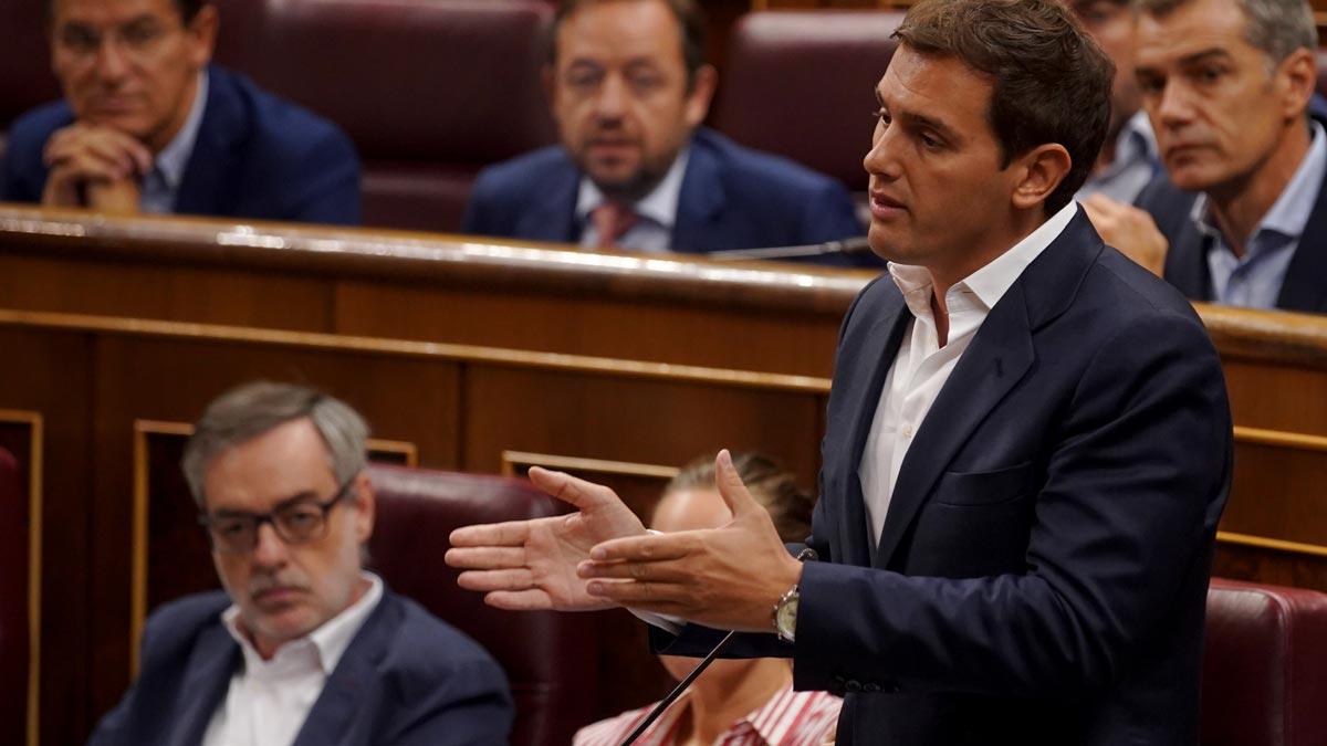 Albert Rivera reta a Pedro Sánchez a publicar su tesis.