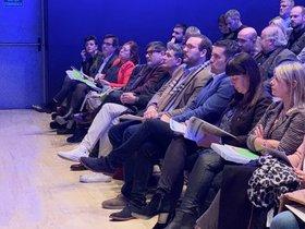 El alcalde de Mataró, David Bote, nuevo videpresidente de la Federació de Municipis de Catalunya, sentado al lado del hsta ahora presidente Xavier Amor, alcalde de Pineda de Mar.