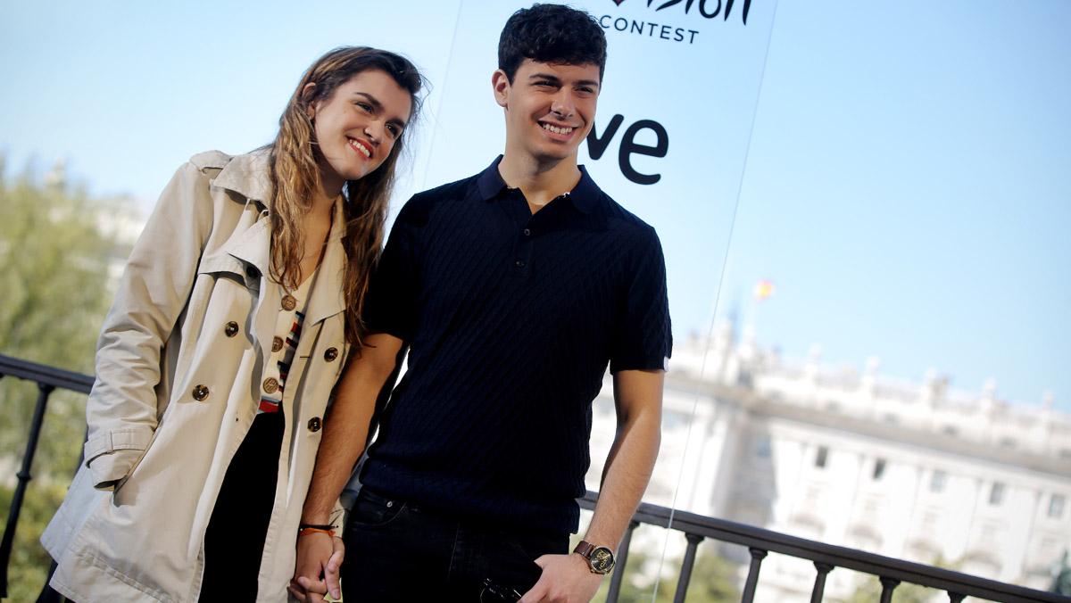 Amaia y Alfred, antes de salir hacia Lisboa para participar en el Festival de Eurovisión.