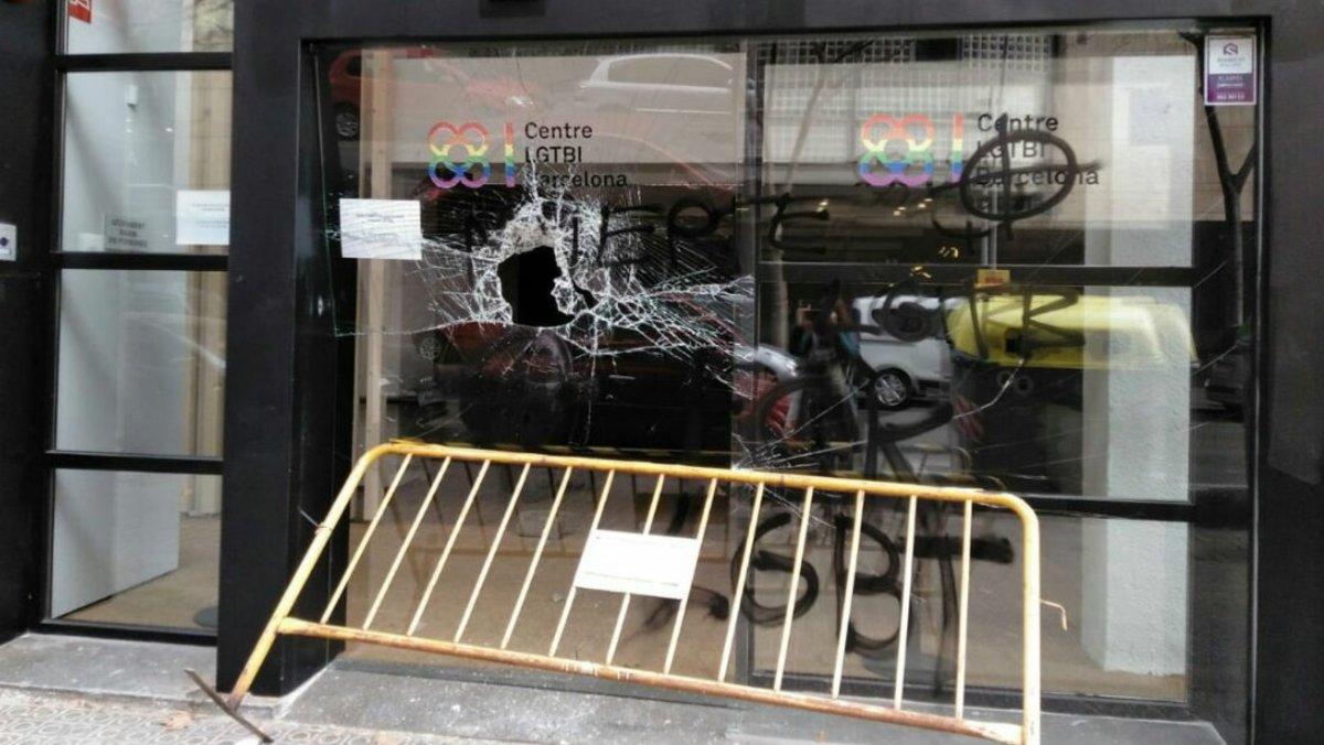 El Centre LGTBI de Barcelona, tras el ataque