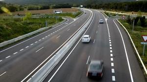 Carretera C-31 a su paso por Santa Cristina dAro.