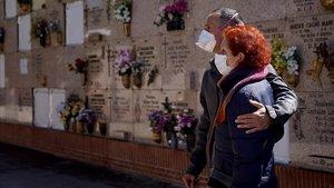 Entierro en el cementerio Sur de Madrid.